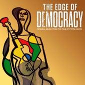 The Edge of Democracy de Various Artists