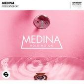 Holding On de Medina