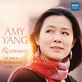Resonance - Piano Music by J.S. Bach, Schumann and Shaw de Amy Yang