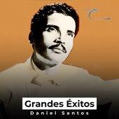 Grandes Éxitos by Daniel Santos
