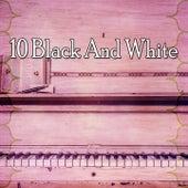 10 Black and White de Lounge Café