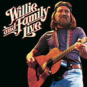 Willie And Family Live van Willie Nelson