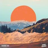 Shine On de Honey Hounds