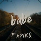 Babe von FapIKQ