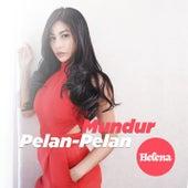 Mundur Pelan Pelan by Helena