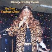 Whiskey Drinking Woman de Mary Thomas