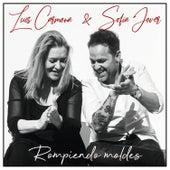 Rompiendo Moldes by Luis Carmona & Sofia Jover