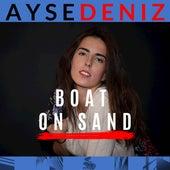 Boat on Sand de Aysedeniz Gokcin