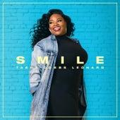 Smile (Live) de Tasha Cobbs Leonard