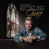 Recycling Grace van John Schneider