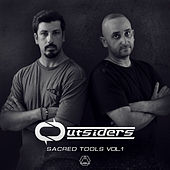 Sacred Tools, Vol. 1 de Outsiders