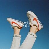 Nikes On von Healy