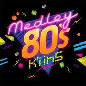 Medley 80´S: En El Boulevard / Súbete A Mi Moto / Hola Amigos / Mamma Mia / Soy Un Desastre / Claridad / Si No Es Ahora / Siempre Siempre / Ojos De Miel / El Mosquito Bilingüe / Ilarie / México ... de Kiins