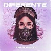 Diferente de Lennis Rodriguez