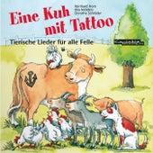 Eine Kuh mit Tattoo von Reinhard Horn