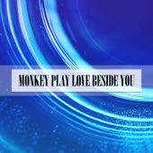 MONKEY PLAY LOVE BESIDE YOU de Murano