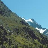 Mountains de Mano Le Tough