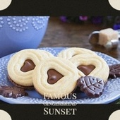 Famous Gingerbread Sunset von The Sonics, Jimmy Boyd, The Candy Store, Traditional, The Tune Weavers, The Crew Cuts, Johnny Mastro