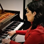 Christmas classic piano music by Nada El Zahr
