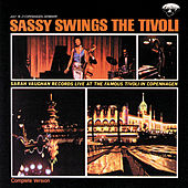 Sassy Swings The Tivoli de Sarah Vaughan