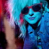 Sunglasses at Night de Synthetik Blonde
