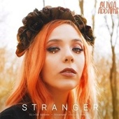 Stranger (Tahiti Remix) fra Olivia Addams