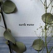 Earth Water von Olivia Reid