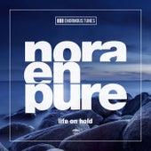 Life on Hold van Nora En Pure