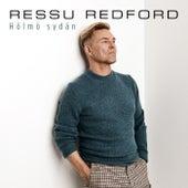 Hölmö sydän by Ressu Redford