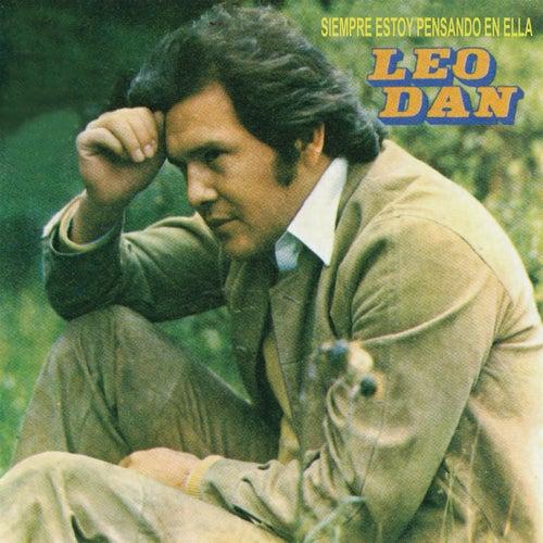 Siempre Estoy Pensando en Ella de Leo Dan