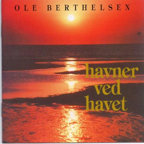 Havner ved havet by Ole Berthelsen