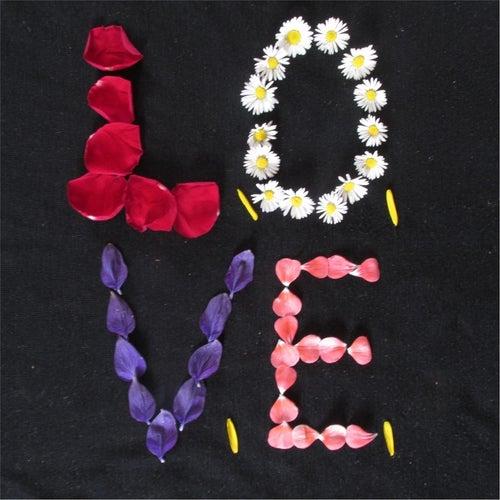 L.O.V.E, Love di Kath Bee