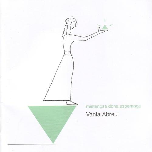 Misteriosa dona esperança de Vania Abreu