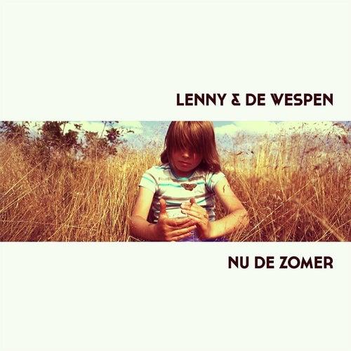 Nu De Zomer by Lenny En De Wespen