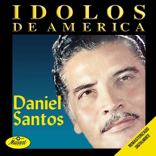 Ídolos De América by Daniel Santos