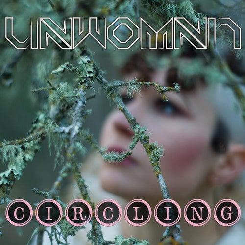 Circling de Unwoman