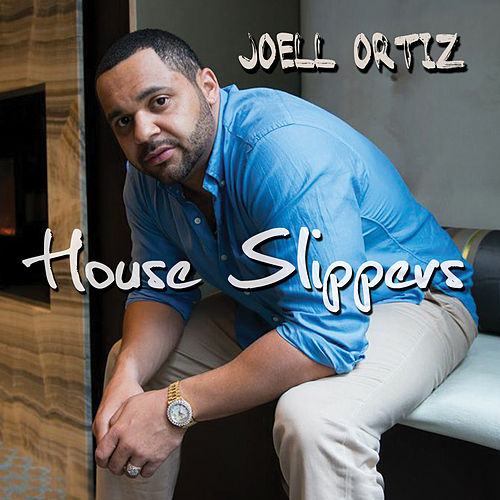House Slippers de Joell Ortiz