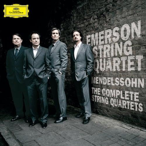 Mozart / Brahms: Clarinet Quintets by Emerson String Quartet