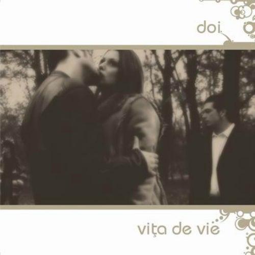 Doi by Vita de Vie
