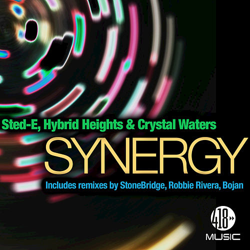 Synergy de Crystal Waters