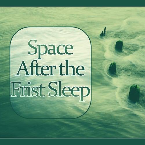 Space After the Frist Sleep - Sleep Meditation Music    de Intense