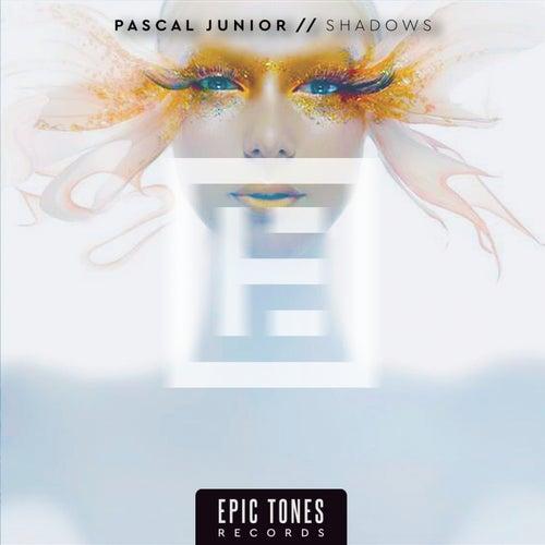 Shadows de Pascal Junior