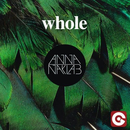 Whole di Anna Naklab