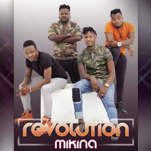 Mikina di Revolution