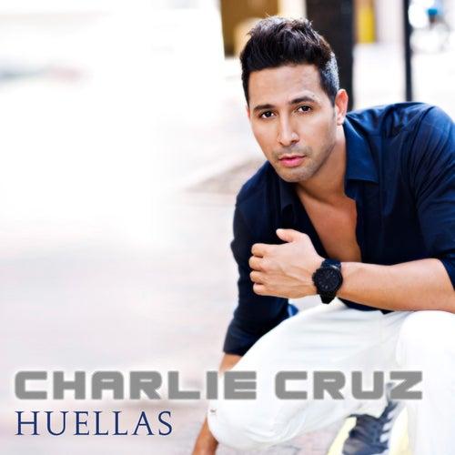Huellas by Charlie Cruz