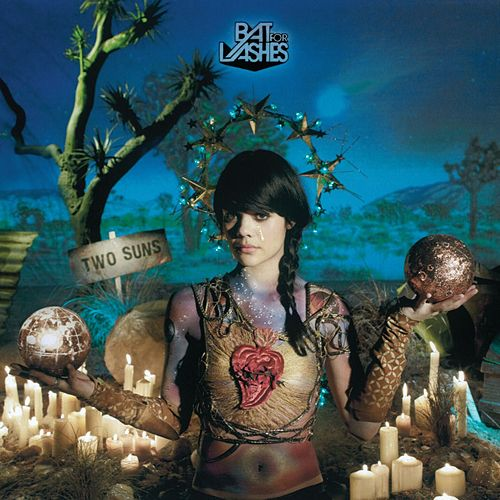 Two Suns fra Bat For Lashes