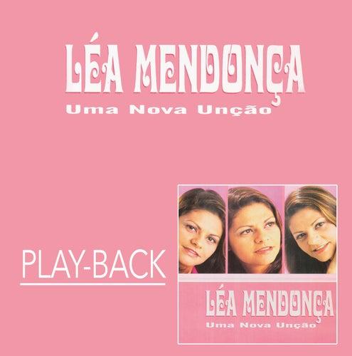 Uma Nova Unção (Playback) by Léa Mendonça