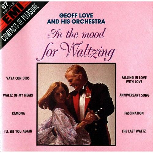 In The Mood For Waltzing de Geoff Love