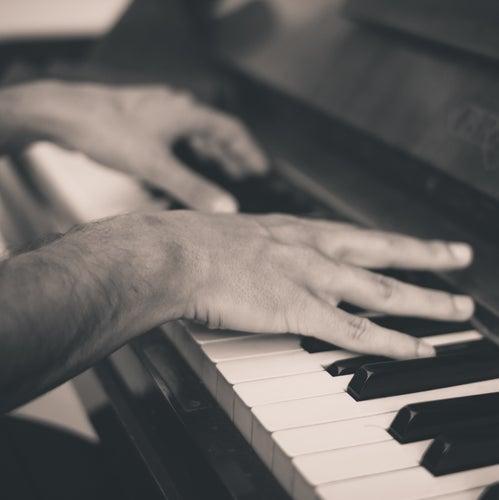 Love & Romance Piano Soundtrack by Meditation Spa Society