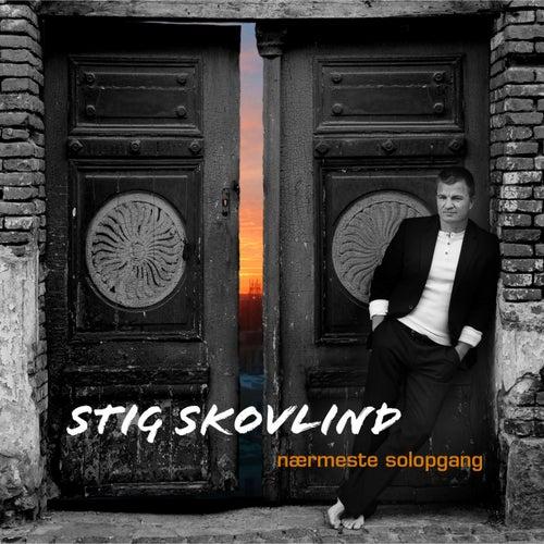 Nærmeste Solopgang by Stig Skovlind